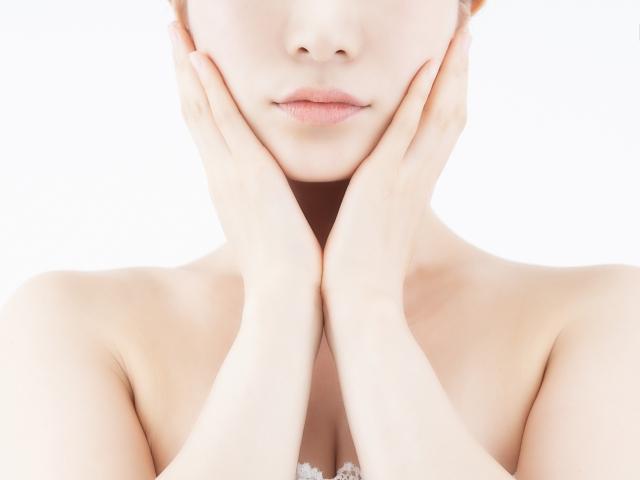細胞間脂質が整うことで、極度の乾燥肌も潤い、透明感ある細やかな肌に